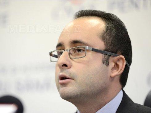 Preşedintele PNL Bucureşti, Cristian Buşoi, despre ratarea licitaţiei pentru 400 de autobuze:Explicaţia G. Firea, penibilă; Cine răspunde?