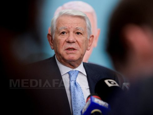 Ministrul de Externe Teodor Meleşcanu a fost nevoit să intre pe uşa din spate a Ambasadei Spaniei