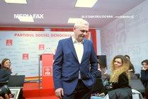 Liviu Dragnea i-a prezentat lui Iohannis lista cu semnăturile parlamentarilor majorităţii