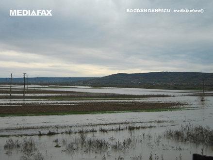 Cod portocaliu de inundaţii pe râuri din judeţele Timiş, Caraş Severin şi Mehedinţi