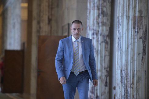 Ministrul Economiei: Memorandum pentru un producerea unui transportor blindat 8X8, în România