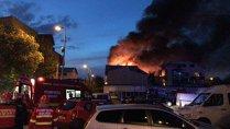 Incendiu la un cămin de bătrâni din Capitală. Pompierii încearcă să scoată victimele