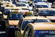 """Protest al taximetriştilor în Capitală: """"Nu avem nimic cu nimeni, e o ţară liberă, dar aplicaţiile de taxi trebuie să intre în legalitate, să fie şi ele conectate la un dispecerat autorizat"""""""
