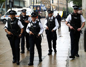"""Operaţiune de amploare în centrul Londrei după atacul de la Parlament; incidentul este """"terorist"""""""