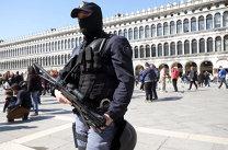 Explozie pe o stradă din Roma. Autorităţile investighează probabilitatea unui atac terorist