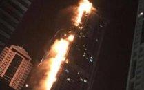 Un incendiu masiv a cuprins unul dintre zgârie norii din Dubai