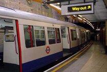 O staţie de metrou din Londra a fost evacuată din cauza unei alerte de incendiu