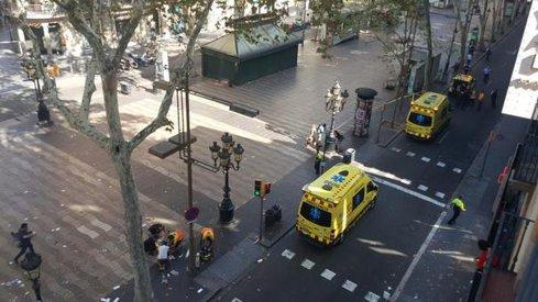 Cel puţin 1.000 de musulmani au demonstrat în Barcelona împotriva terorismului