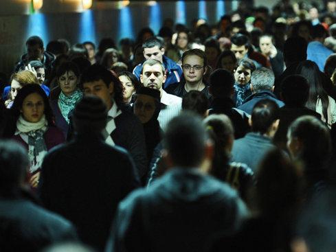 Studiu: Românii fac în medie 4759 de paşi zilnic, sub media globală