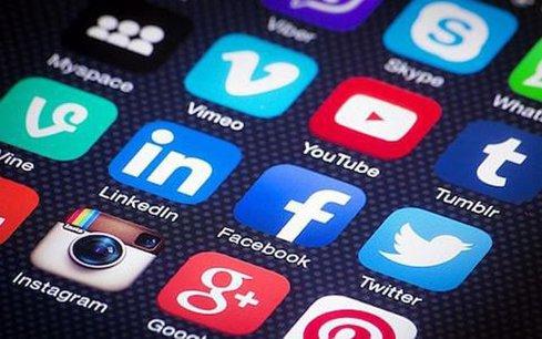 Era Facebook, Google şi Twitter aşa cum le cunoaştem, este pe sfârşite