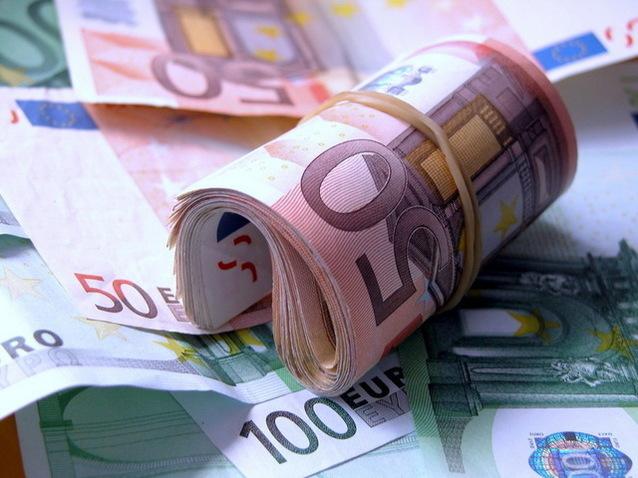 Bilanţurile băncilor sunt tot mai subţiri: curăţarea portofoliilor a şters 10 mld.(...)