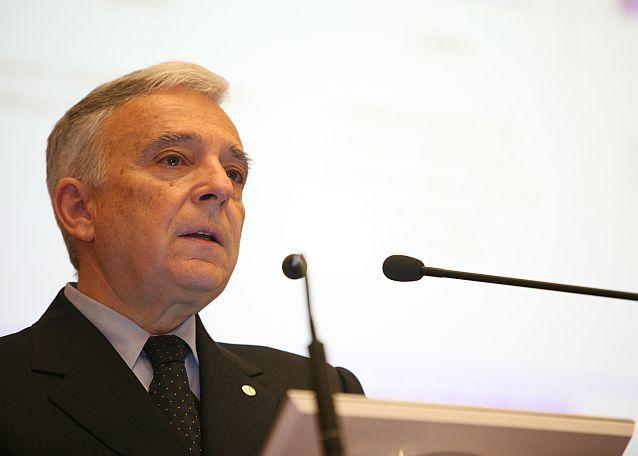 Mugur Isarescu: devine din ce în ce mai probabil ca peste 10 ani Romania să aibă ca monedă tot leul. VIDEO