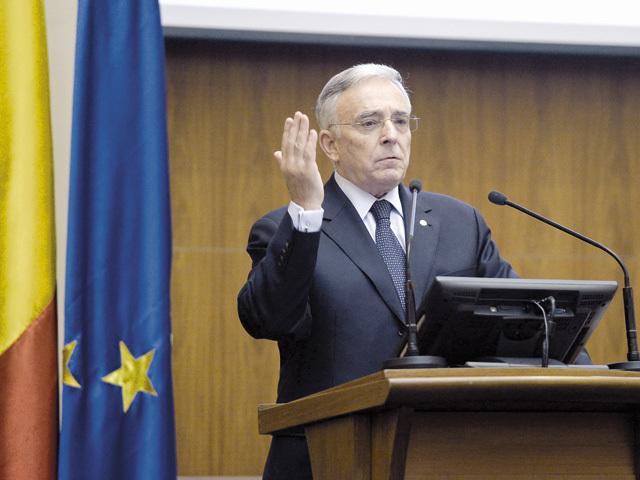 Guvernatorul Isărescu susţine că incertitudinea împiedică BNR să ia cele mai bune decizii