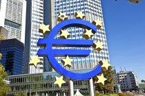 BCE: Europenii păstrează lichidităţi de peste 1.000 miliarde euro, în contextul temerilor economice