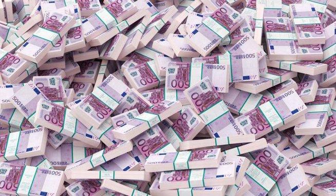 Expunerea băncilor s-a redus în primul semestru cu circa 2 mld. euro, în principal pe termen lung