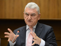 """Parlamentarii merg înainte cu revocarea preşedintelui ASF. Mişu Negriţoiu contraatacă şi ameninţă cu justiţia: """"Revocarea mea este abuzivă şi în frauda legii"""""""
