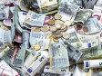 Un european din trei este dispus să renunţe la cash