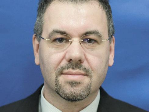 PSD a găsit nişte oameni: Noii şefi ai ASF Leonardo Badea şi Ovidiu Wlassopol, votaţi azi în Parlament, după avizul din comisii. Salariul celor doi se apropie de 13.000 de euro pe lună pentru fiecare
