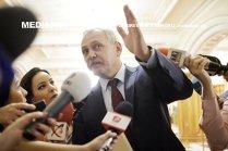 Liviu Dragnea, seful PSD se dezice de programul de guvernare: Salariul minim brut pe economie nu creşte la 2.000 de lei din 2018. Dar în programul de guvernare scrie clar: 2.000 de lei