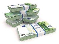 Piaţa valutară a încheiat primul semestru cu un volum mediu zilnic al tranzacţiilor de 1,68 mld. euro. Volumul tranzacţiilor pe piaţa valutară a urcat în luna iunie 2017 la maximul ultimilor aproape şase ani