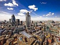 """Alegerea Amsterdamului şi a Parisului pentru găzduirea agenţiilor UE din Londra: un brânci dat """"Europei egalilor"""" promisă esticilor de Juncker"""