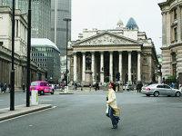 Destrăbălare financiară în City of London: 576.000 de lire sterline pentru banchete şi alte servicii de ospitalitate, iar 4 milioane de euro s-au dus către şcoli de elită pentru copiii bancherilor