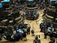 SocGen: Petrecerea creditării ieftine se sparge. Declinul tinde să fie declanşat de un singur sector, cum s-a întâmplat cu sectorul rezidenţial american în 2008