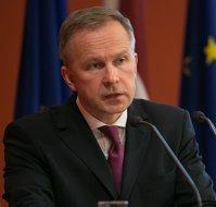 Guvernatorul băncii centrale letone acuză băncile că vor să-l vadă demis pentru că a încercat să oprească intrările de bani de la nonrezidenţii ruşi