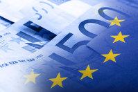 Dobânzile negative şi QE îi împing pe investitorii din zona euro să cumpere masiv titluri de datorie americane