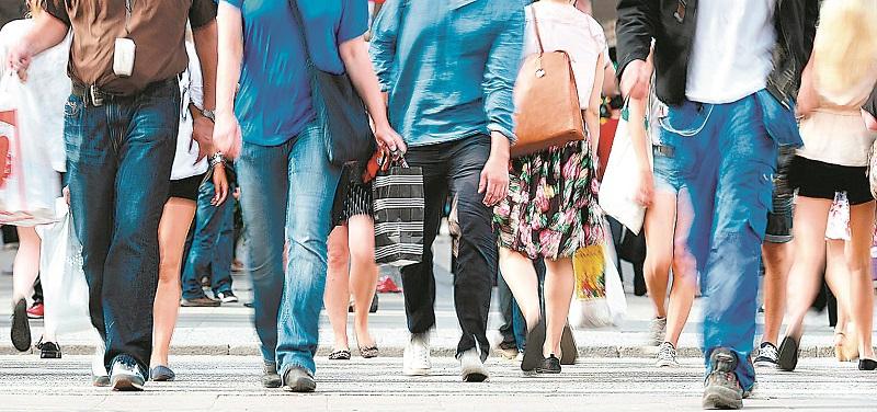 Peste 693.000 de români au restanţe mai mari de 30 de zile la plata ratelor la bancă, maximul din ultimul an