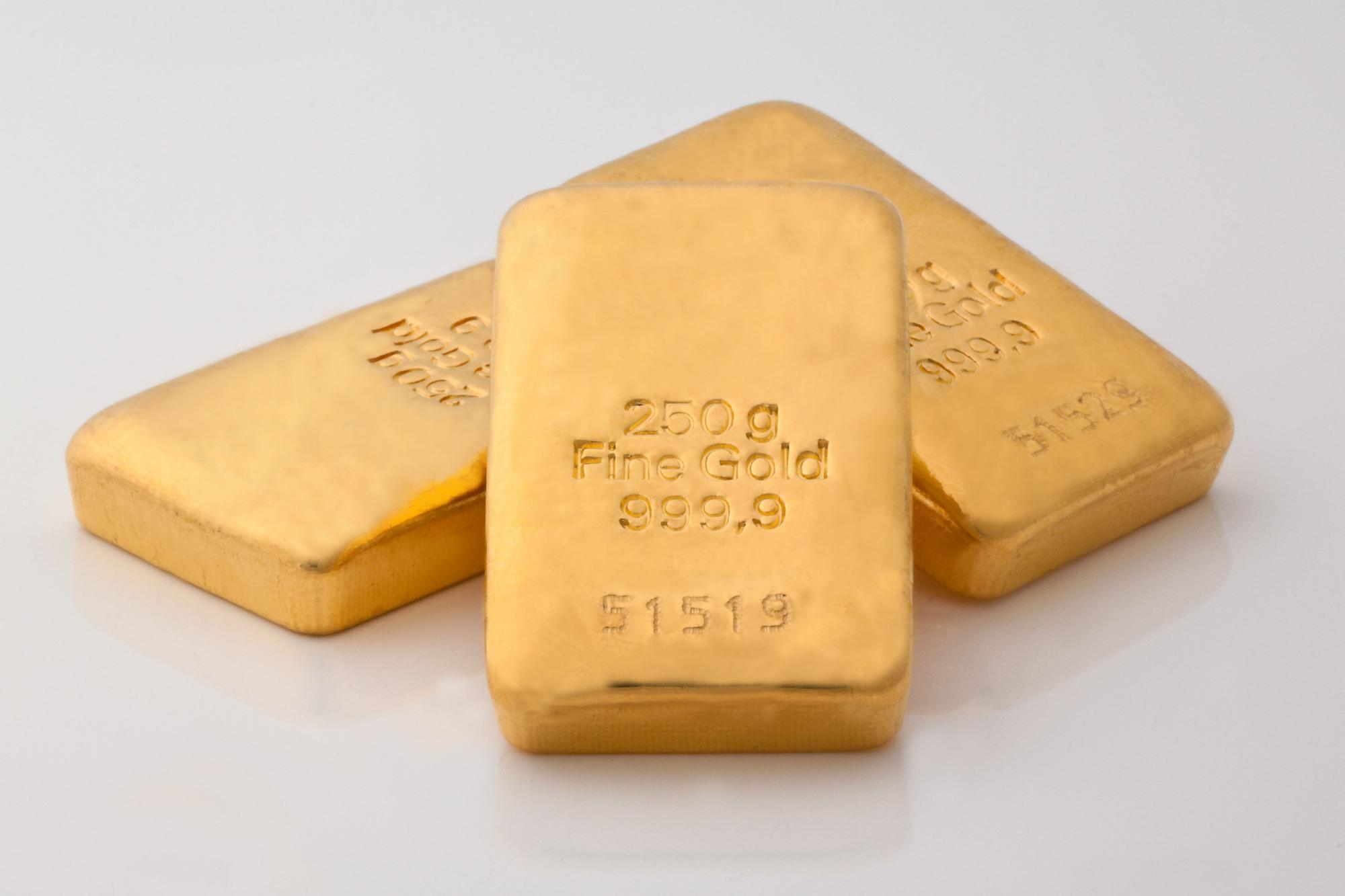 investiți în aur și bitcoin?