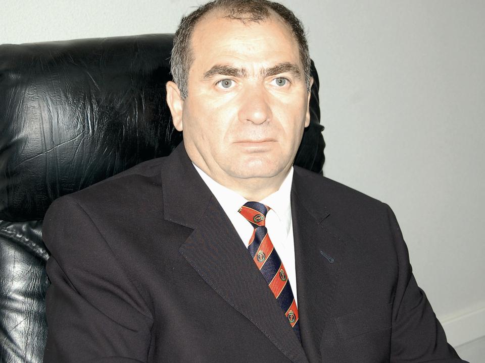 Şeful SIF Oltenia a cumpărat 100.000 de acţiuni la SIF