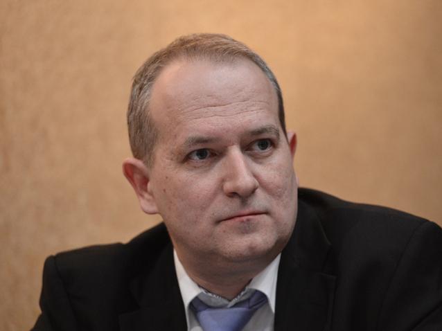 Cine sunt brokerii care au făcut tranzacţia de vineri cu Banca Transilvania
