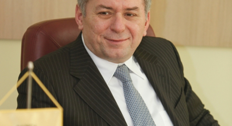 Cel mai mare bonus de acţiuni: Horia Ciorcilă, preşedintele Băncii Transilvania, a încasat 1,9 mil. lei