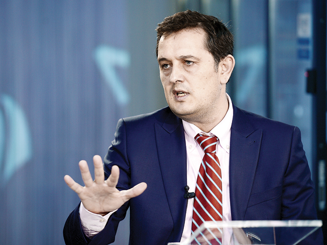 Eşec la Oltchim: administratorii judiciari n-au reuşit să atragă cumpărători nici în a doua licitaţie