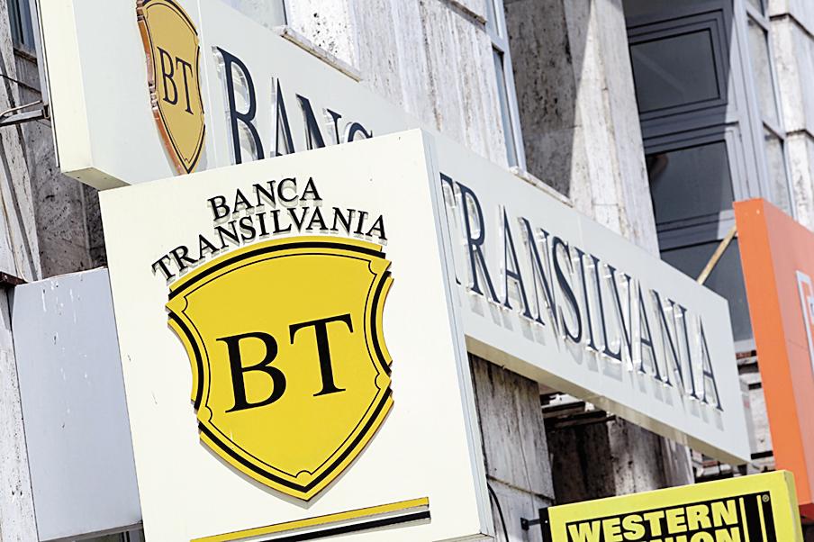 Un director al Băncii Transilvania a vândut 380.000 de acţiuni