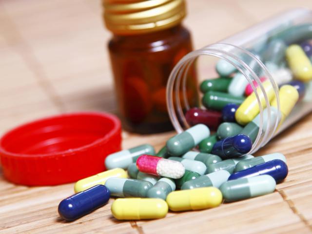 """Biofarm, Zentiva sau Antibiotice. Ce """"medicamente"""" sunt mai atractive şi mai ieftine pentru investitorii la bursă"""