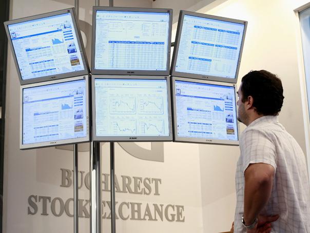 Petrom scade cu 2,3% pe bursă, după zvonuri că Fondul Proprietatea ar vinde din acţiuni
