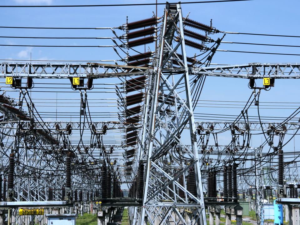Retrasib vinde transformatoare de 4 milioane de lei unei subsidiare a Electrica