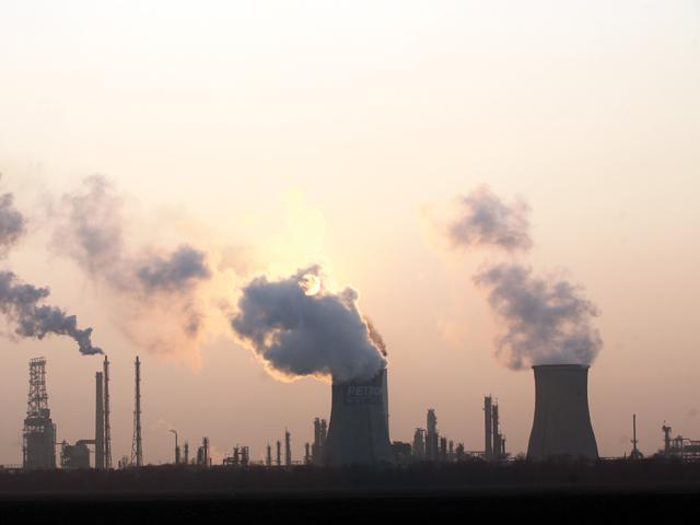 Petrom şi Romgaz au de plătit 8,5 mil. euro până la sfârşitul anului pentru certificate de poluare