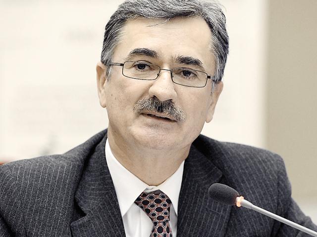 Eugen Voicu, fondatorul şi acţionarul majoritar cu 91,5% din capitalul Certinvest:   Strategia noastră pe următorii trei ani vizează extinderea pe piaţa asigurărilor şi a pensiilor private.