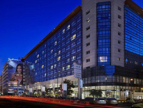 Elbit a anunţat pe bursa Nasdaq din SUA că vinde Radisson Blu cu 177,5 milioane de euro