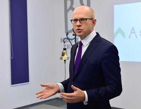 Situaţie întortocheată la bursă: Sobolewski spune că alege să nu-şi continue mandatul de şef al BVB, deşi ar fi putut să facă acest lucru
