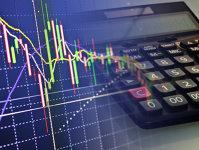 Vreau să investesc la bursa românească. Cum aleg acţiunile care sunt cele mai profitabile