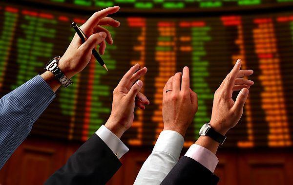 Cei mai mari trei brokeri au ţinut 56% din piaţă în ianuarie
