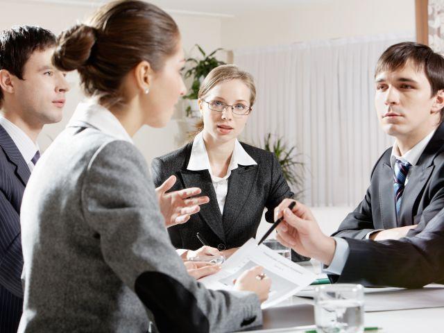 Ce greşeli fac cei care sunt promovaţi pentru prima dată ca manageri