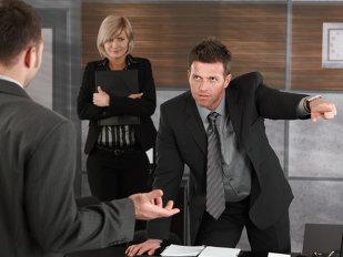 """Un manager aştepta să intre un tânăr la interviu să-l angajeze. Când l-a văzut, a avut parte de surpriza vieţii lui. MOTIVUL pentru care l-a dat afară imediat. """"A fost o GREŞEALĂ colosală..."""""""