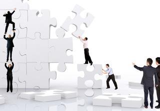 Antreprenorii spun că problemele interne şi deciziile de business sunt principalii declanşatori ai crizelor de imagine