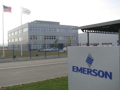 Americanii de la Emerson caută 200 de oameni pentru campusul din Cluj-Napoca