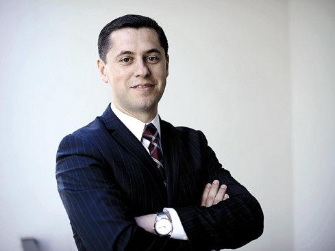 """BM. 100 cei mai admiraţi CEO: """"Leadershipul nu vine la pachet cu semnarea contractului şi nici cu scaunul pe care stai aşezat"""""""